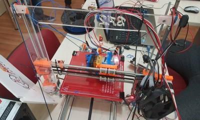 Adana Maker Teknoloji Atölyesinde 3D Yazıcı Tasarlıyoruz