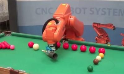 Bilardo Oynayabilen Robot Kol